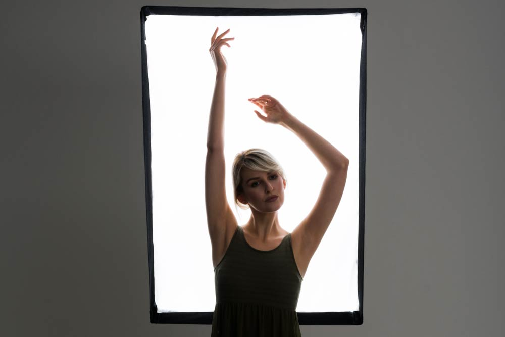 How to shoot studio silhouette portraits with detail